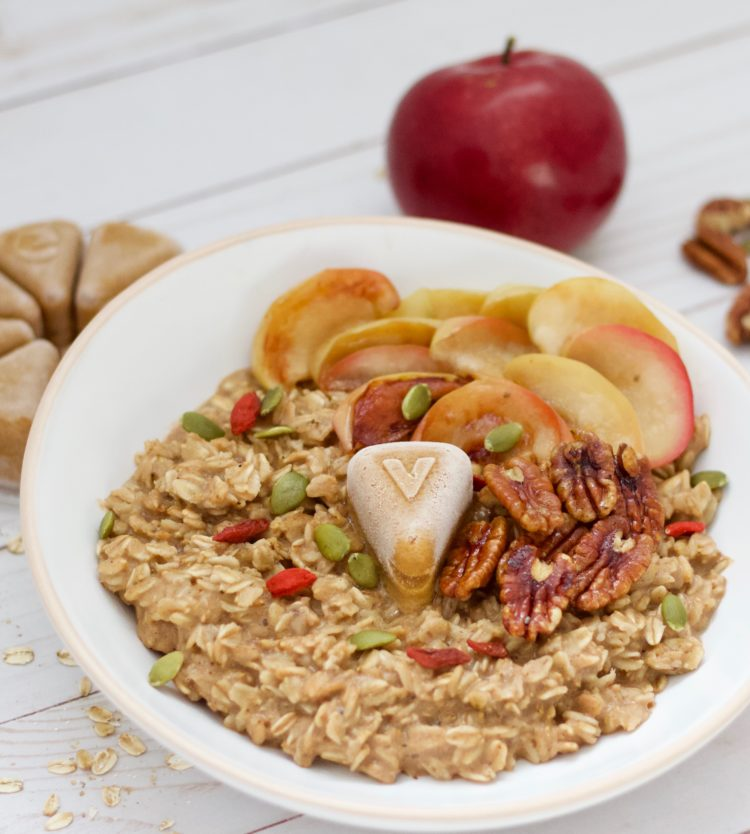 Comforting Oatmeal Bowl with the Evive Yin Smoothie