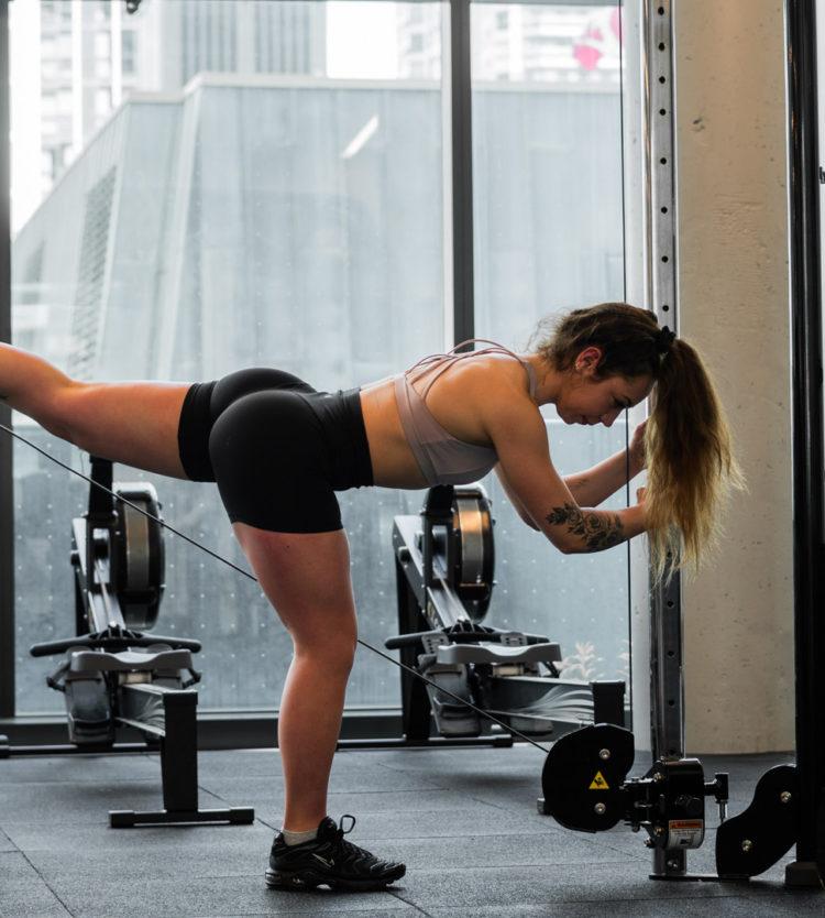 Vedette d'Instagram, Kenzie Fitness Partage sa Routine d'Entraînement Préférée