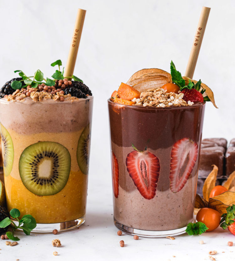 Here's How to Make a Beautiful Layered Smoothie